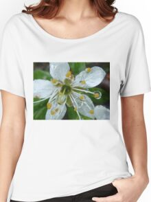 White flower Women's Relaxed Fit T-Shirt