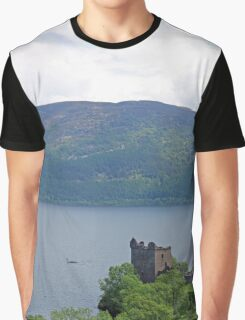 Nessie at Glen Urquhart Castle! Graphic T-Shirt