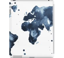 Watercolor map of the world (black and white) iPad Case/Skin