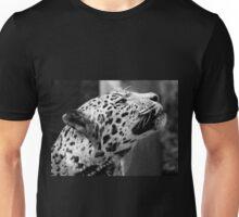 Leopard looking up Unisex T-Shirt