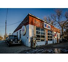 Vintage cars and gas station in rural Illinois  Photographic Print
