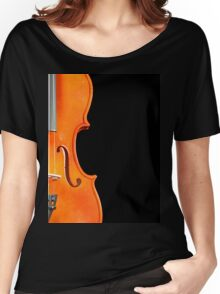 A violin on black Women's Relaxed Fit T-Shirt