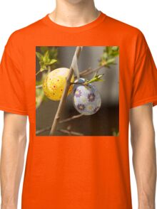 Colorful Easter egg in the tree Classic T-Shirt