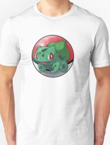 Bulbasaur pokeball - pokemon T-Shirt