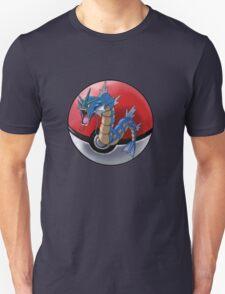 Gyarados pokeball - pokemon T-Shirt