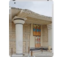 Knossos minotaur palace column with Minoan frescoes iPad Case/Skin