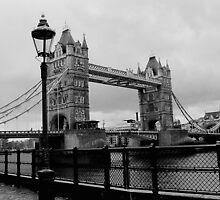 Tower Bridge by halleyrobbins