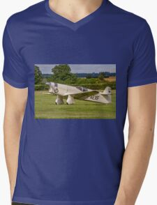 Percival Type E2H Mew Gull G-AEXF taxying in Mens V-Neck T-Shirt