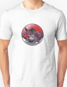 Nidoking pokeball - pokemon T-Shirt