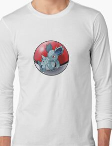 Nidorina pokeball - pokemon Long Sleeve T-Shirt
