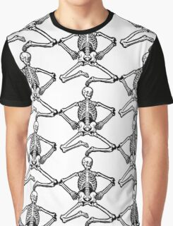 Sitting Spooky Skeleton Graphic T-Shirt