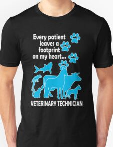 every patient leaves a footprint on my heart veterinary technician T-Shirt