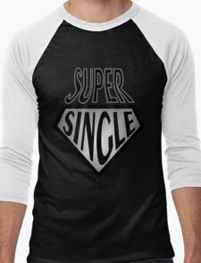 Comic Super Hero Super Single and ready to mingle  T-Shirt