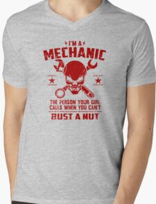 i'm a mechanic skull Mens V-Neck T-Shirt