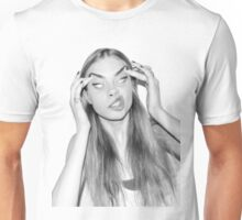 Cara silly face Unisex T-Shirt