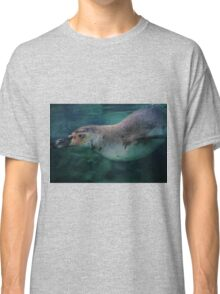 Swimming Penguin - limited supply Classic T-Shirt