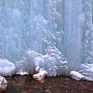 Ice wall by zumi