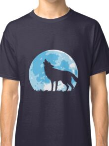 Howling Wolf At Full Moon Classic T-Shirt