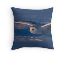 Snowy Owl flys at Sunset Throw Pillow