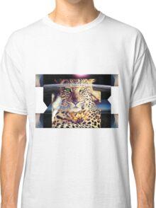 ZEN LEOPARD AND THE BEAUTIFUL EARTH Classic T-Shirt