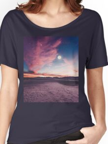 Moon gazing Women's Relaxed Fit T-Shirt