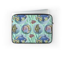 Watercolor seamless hand drawn pattern with tropical fish. Laptop Sleeve