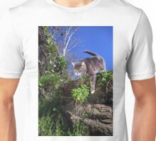 Hunting cat Unisex T-Shirt