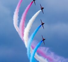 Red Arrows Red White and Blue by jetshots