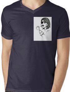 Scurvy doll Mens V-Neck T-Shirt