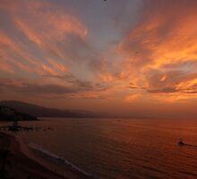 sunset with some clouds - puesta del sol con unos nubes by Bernhard Matejka