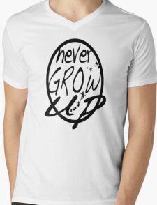 Never grow up. T-Shirt
