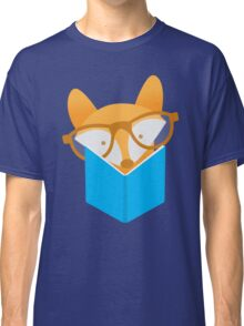 A cute foxy reading Classic T-Shirt