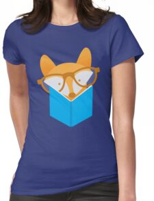 A cute foxy reading Womens Fitted T-Shirt