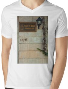 Faculty of Law - Santiago Mens V-Neck T-Shirt