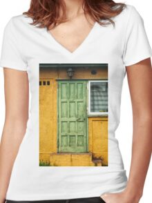 The Green Door Women's Fitted V-Neck T-Shirt