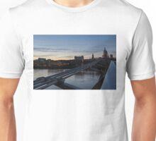 British Symbols and Landmarks - Silver Evening at the Millennium Bridge Unisex T-Shirt