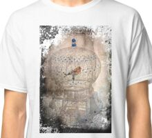 Bird in a gilded cage Classic T-Shirt