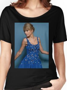 Cute Pose Taylor Swift 2 Women's Relaxed Fit T-Shirt