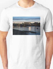 British Symbols and Landmarks - Cruising Under the Blackfriars Railway Bridge at Low Tide Unisex T-Shirt