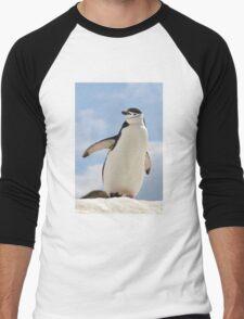 Chinstrap penguin keeps up appearances Men's Baseball ¾ T-Shirt