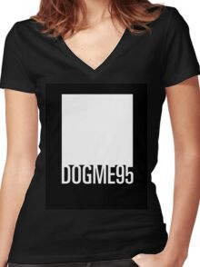 Dogme 95 minimal Women's Fitted V-Neck T-Shirt