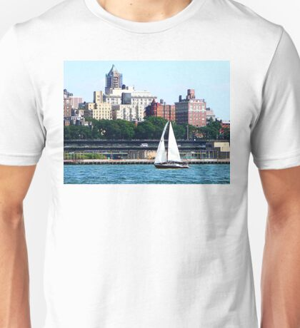 New York - Sailboat Against Manhattan Skyline Unisex T-Shirt