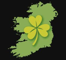 IRELAND map with a shamrock Kids Tee