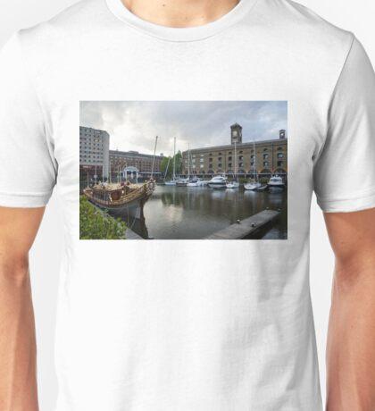 Gloriana British Royal Barge Unisex T-Shirt