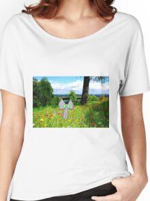 A Cat Enjoying A Graden Women's Relaxed Fit T-Shirt