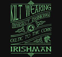Kilt Wearing Irishman - green Unisex T-Shirt