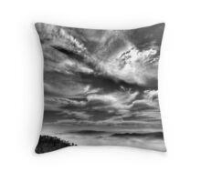 High cloud above Ovens Valley Throw Pillow