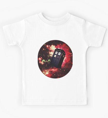 Extra Space-y TARDIS: Version 1 Kids Tee