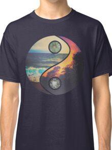 """CHILL VIBES """"YANG"""" Classic T-Shirt"""