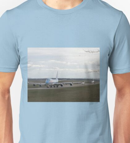 Boeing 747, CRJ 1000, Airbus A320 on the taxiway Unisex T-Shirt